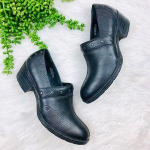 [Born] Black Leather Studded Split Toe Booties